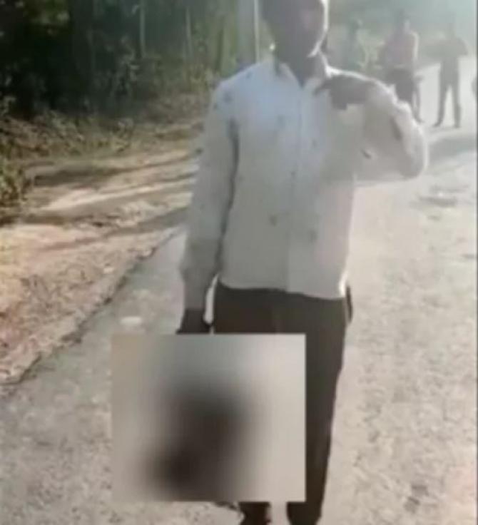 tata care si-a decapitat fiica in india