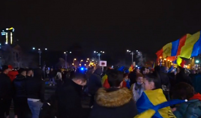 """Un medic român, ironii la adresa protestatarilor: """"Partikip...Jos Covidu'!"""""""