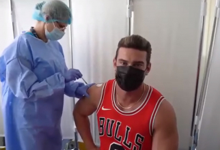 """Promovare inedită a campaniei de vaccinare. CNCAV: """"HÂTZ! Dorian Popa s-a vaccinat!"""""""