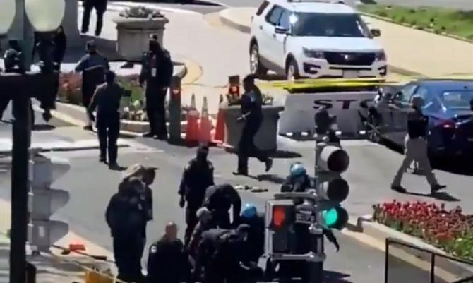 Alertă de securitate la Capitoliu. Doi polițiști, loviţi de o mașină