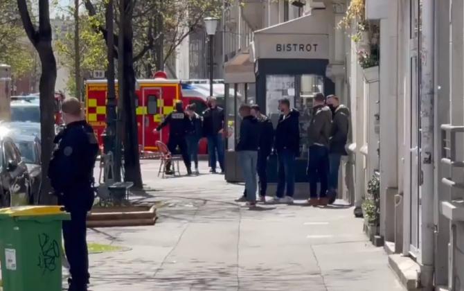 Atac armat în Paris: Autorităţile suspectează o reglare de conturi