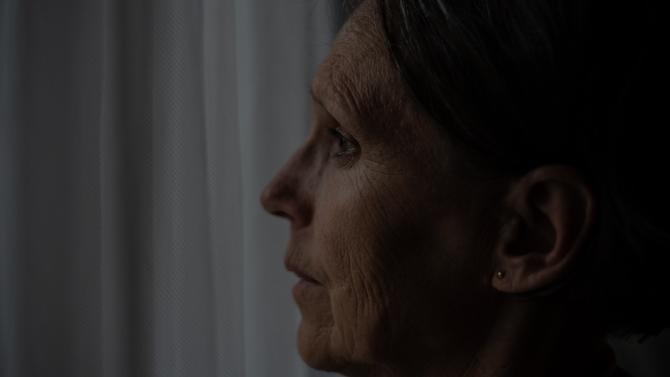 """Badantă româncă în Italia, scrisoare sfâșietoare: """"Sărăcia și grijile m-au izgonit de acasă. Am salvat viitorul copiilor, dar mi-am rătăcit sufletul"""""""