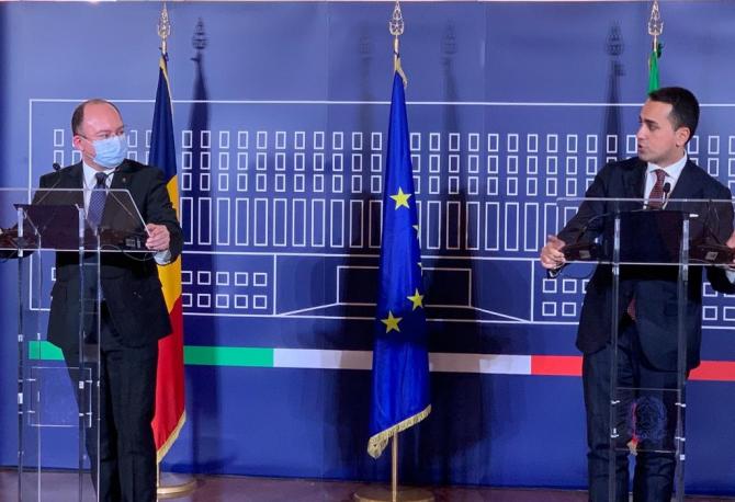 Bogdan Aurescu şi ministrul de Externe italian Luigi di Maio (sursa foto: MAE)