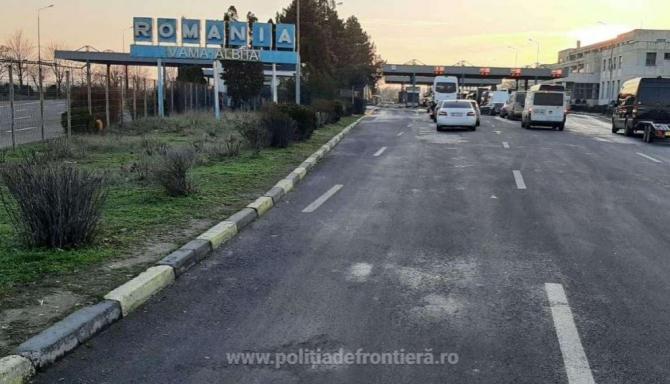 Camion condus de un moldovean  oprit si verificat la sange in vama Albita