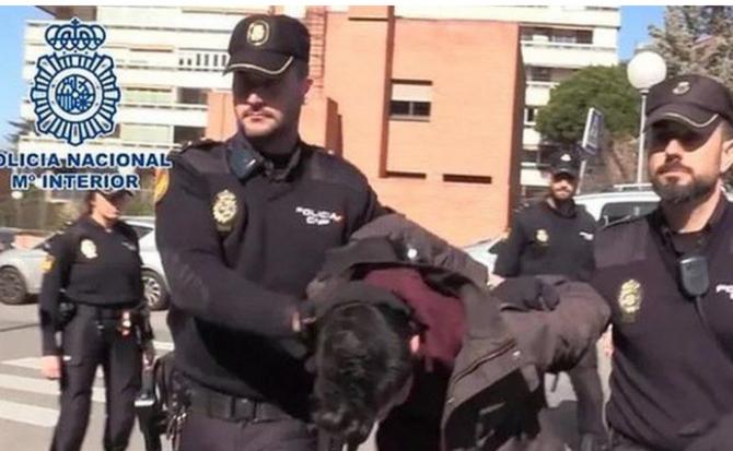 Caz șocant în Spania. Un bărbat și-a ucis mama și apoi i-a mâncat cadavrul