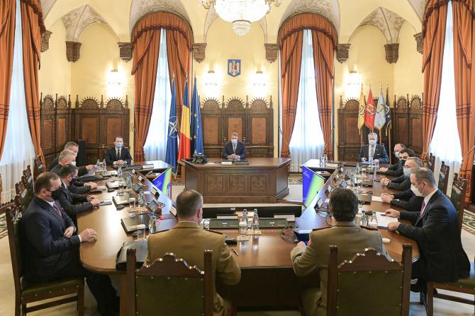CSAT: România va retrage forţele din Afganistan coordonat cu membrii NATO. 27 de militari au murit în misiune
