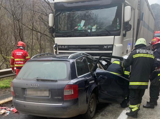 Doi români, morți într-un accident cumplit