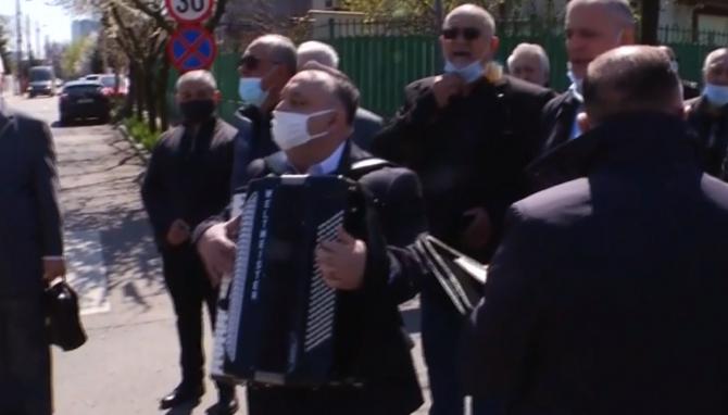 Gabi Luncă a fost condusă cu lăutari pe ultimul drum