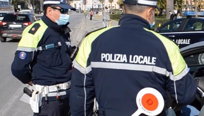 Italia. Pachetele badantelor românce trimise familiilor acasă, confiscate de carabinieri