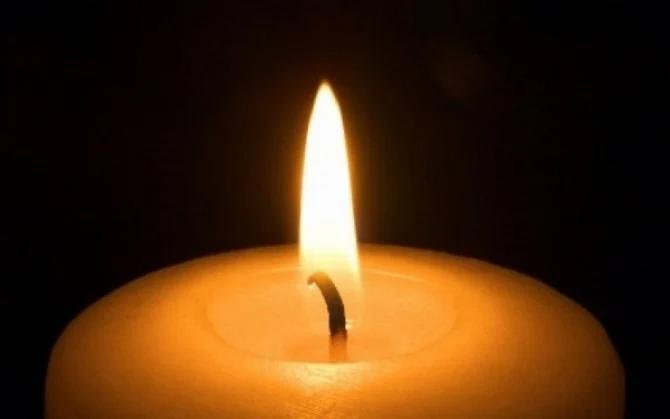 Un tânăr de 17 ani a murit de Covid. Apelase la un certificat fals de vaccinare