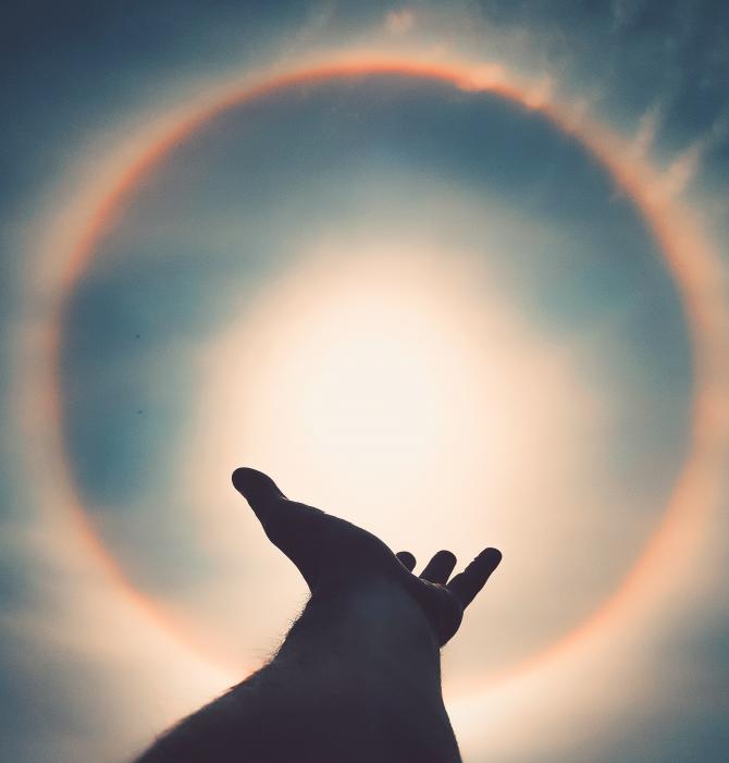 """Nuntă cosmică în Taur. """"Miri"""" - Luna și Soarele: Fenomenul astrologic ce influențează major zodiile pentru următorii ani"""
