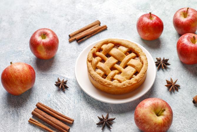 Plăcintă cu mere în stil american. Vei fi surprins de aroma sa fină! Foarte simplu de făcut