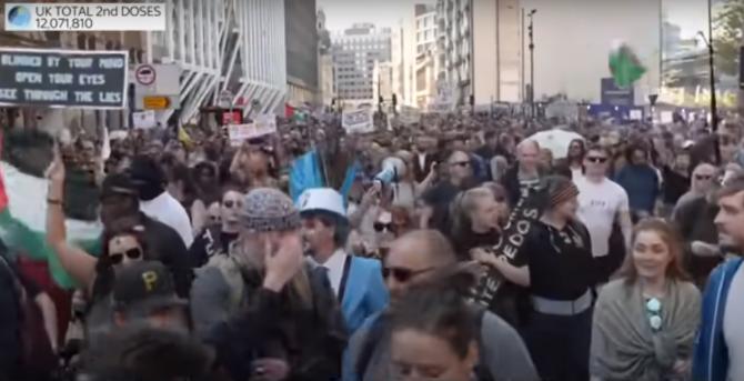 Protest Londra - Captura video Sky News