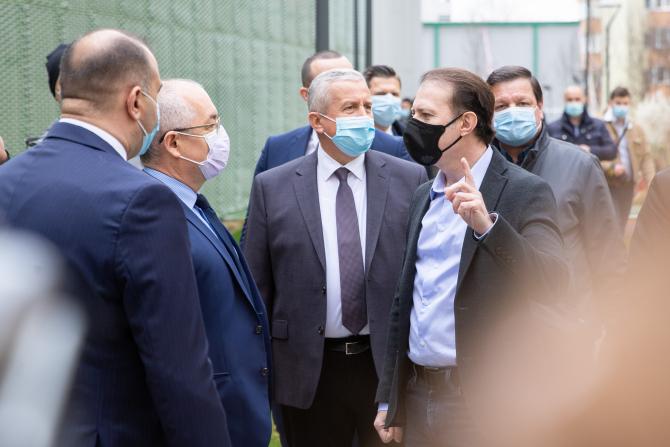 """Standard & Poor's îmbunătățește ratingul României la """"stabil"""""""