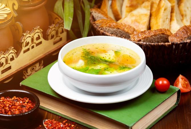 Supă de primăvară cu orez. Bogată în vitamine și revigorantă