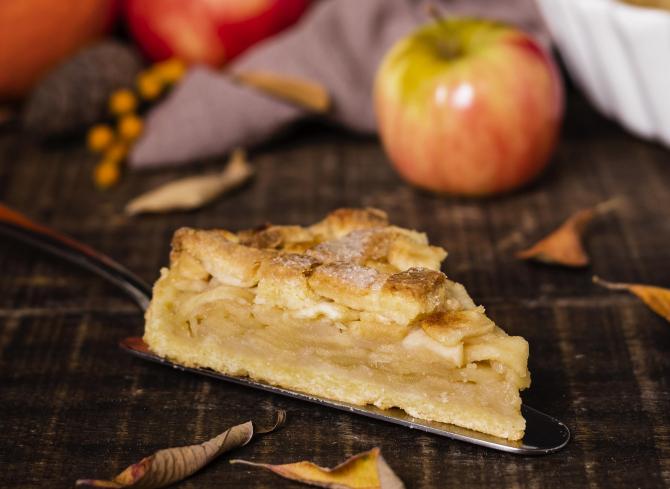 Szarlotka, plăcinta poloneză cu mere. Acest desert fabulos îi va cuceri și pe cei mai pretențioși
