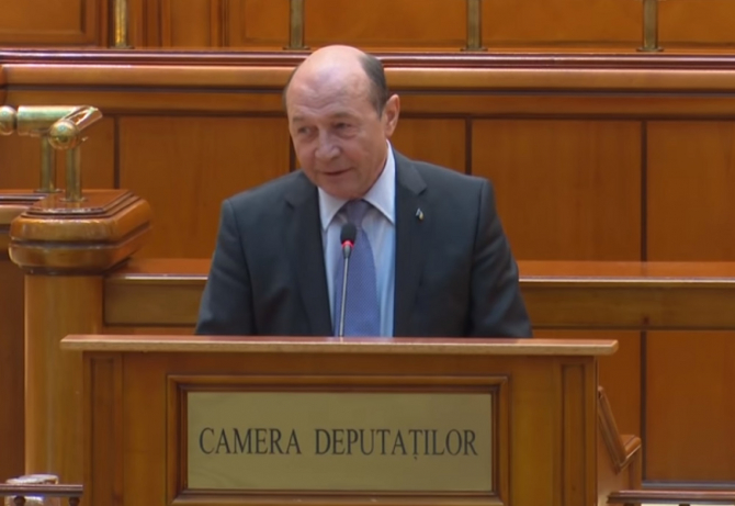 """Traian Băsescu spune că Florin Cîțu ar trebui să mai remanieze un ministru: """"Un atac mizerabil"""""""