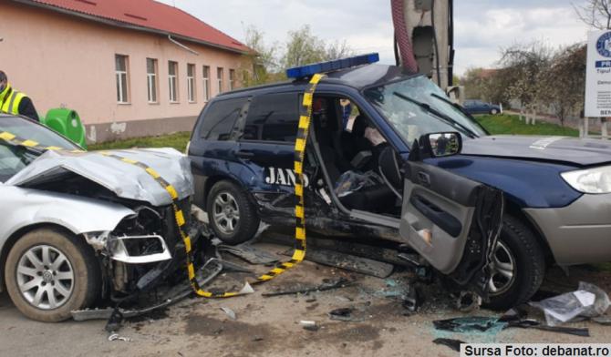 Un jandarm român, în comă, în urma unui accident cumplit. Mai multe persoane în stare gravă