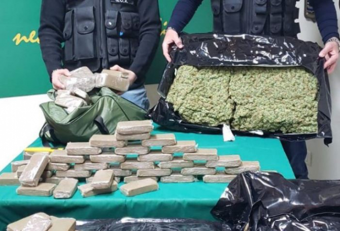 un moldovean si doi italieni detineau o cantitate uriasa de droguri