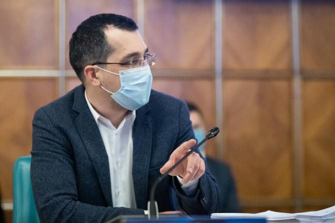 """Vlad Voiculescu își cere scuze: """"Am preluat o informație greșită și am insistat asupra ei"""""""