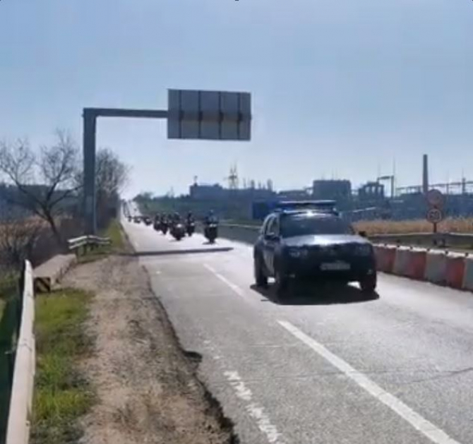Zeci de soferi protesteaza azi pentru construirea de autostrazi in Moldova