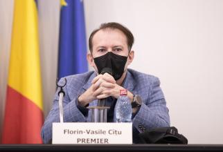 """Florin Cîțu, despre redeschiderea restaurantelor: """"Clienții ar putea fi verificați după CNP"""""""