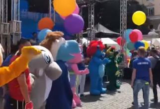 Italia. Mai multe persoane, îmbrăcate în mascote, au protestat la Roma