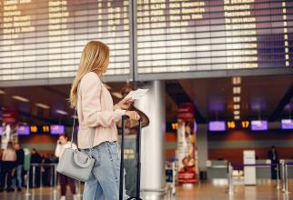 Mai mulți români reclamă fraudă la achiziționarea biletelor de avion