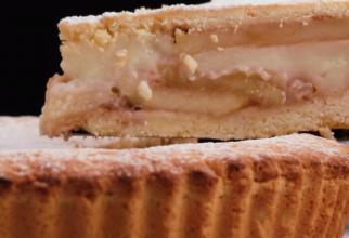 Plăcintă cu mere, fără făină și zahăr: Rețeta delicioasă și sănătoasă, potrivită pentru diabetici, alergici și pentru pofticioși