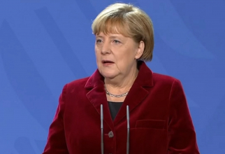 """Au apărut ursuleții """" Merkel"""", un produs al unei fabrici de jucării"""
