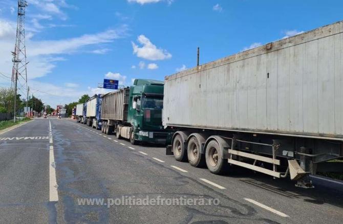 Cinci autocamioane, oprite la Vama Veche. Automarfarele erau încărcate cu deșeuri metalice din Bulgaria