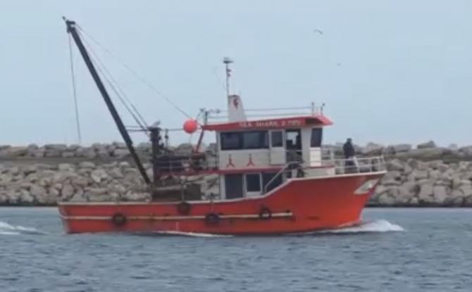 Continuă căutările celor doi marinari români, dispăruţi în naufragiul de luni din Marea Neagră