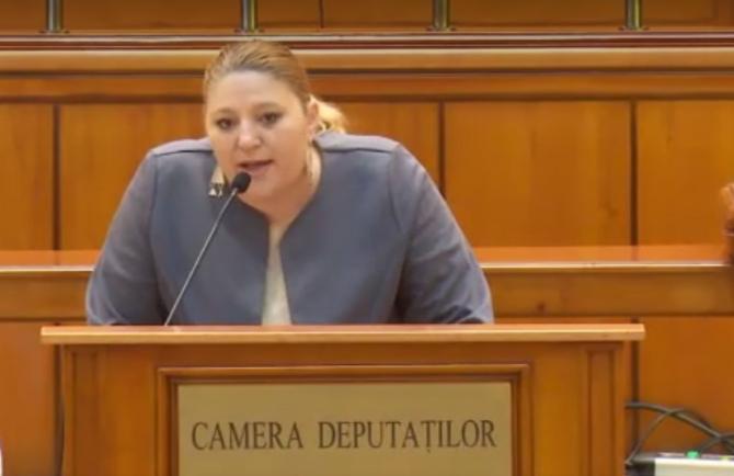 """Diana Șoșoacă a făcut din nou spectacol în Parlament: """"Nici 1 minut nu rezistați"""""""