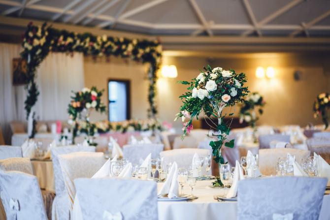 Florin Cîțu anunță când vor fi permise petrecerile de la nunți și botezuri