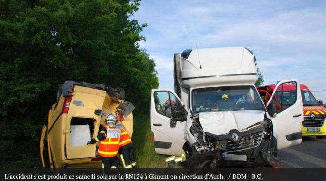 Franța. Români, accident terbil pe autostradă. Duba în care se aflau a fost izbită frontal