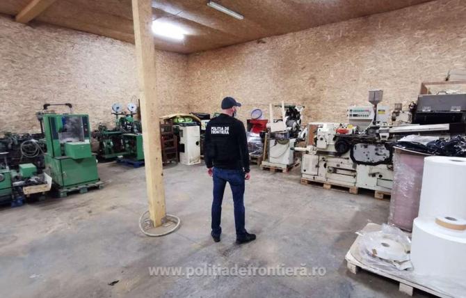 Grupare infracţională, din care făceau parte și români, destructurată. Banda deținea o fabrică ilegală de țigarete.