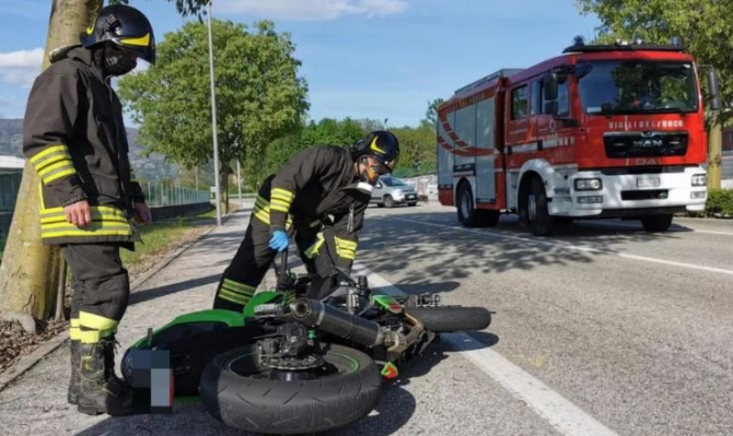 Italia. Un tânăr, de 25 de ani, a decedat, într-un grav accident de motocicleta