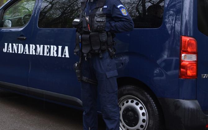 Jandarm român, înjunghiat în timp ce încerca să imobilizeze un bărbat ce ameninţa că se aruncă de la etaj