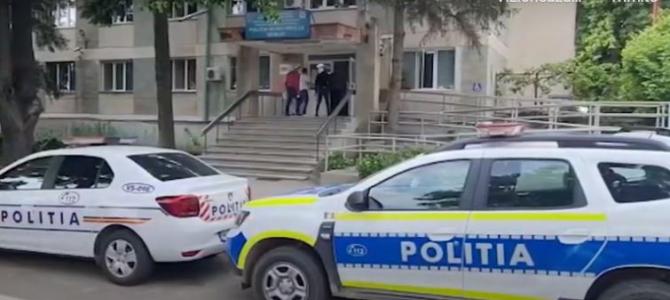 Scandal cu săbii și cuțite de la o fată, în Vaslui. Șase persoane au fost reținute