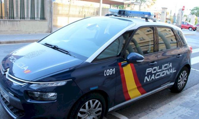 Spania. Trei români au furat sticle de alcool, în valoare de 1.000 de euro, într-un centru comercial. Hoții credeau că au dat lovitura