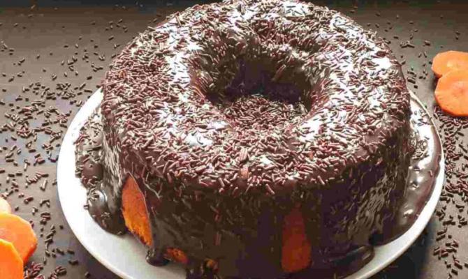 Tort brazilian de ciocolată. Un desert delicios și irezistibil. Ingredientul secret din blat, la care nici nu te-ai fi gândit
