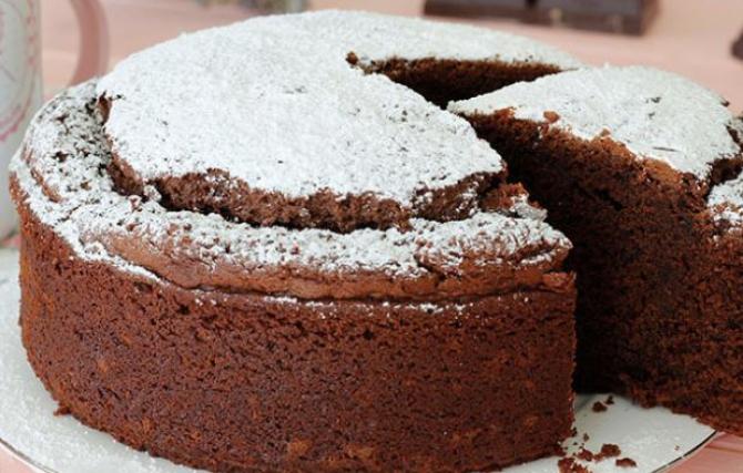 Tort delicios cu ciocolată. Un ingredient special, care combate colesterolul și ajută digestia