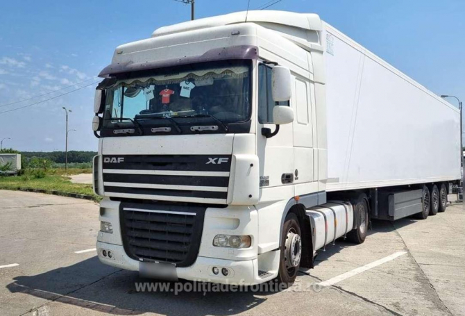 autocamion oprit in trafic