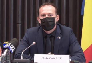 Cîţu, despre românii care s-au tratat acasă Sunt în baza de date DSP și vor fi incluși în certificatul COVID