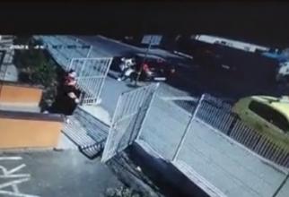Doi copii români, luați cu forța dintr-o grădiniță. Educatoarele ar fi fost agresate