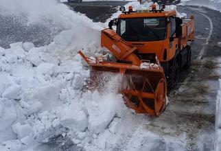 Iarnă în toată regula în România: Zăpada măsoară chiar și opt metri - VIDEO