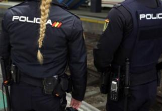 Spania. Trei români, arestați, după ce au sustras roata unui vehicul. Mașina lor era burdușită cu ceasuri și bijuterii furate