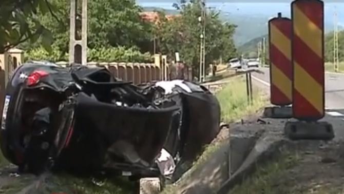 Accident cu şase victime, după ce un şofer român care venea din Spania a depăşit o coloană de maşini