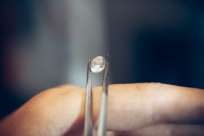 """Belgia. O româncă a executat un truc perfect pentru a fura un diamant de milioane de dolari: """"Nu am știut, am fost recrutată din Italia!"""""""