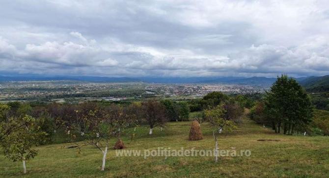 Doi poliţişti de frontieră din Maramureş, rătăciți în munți